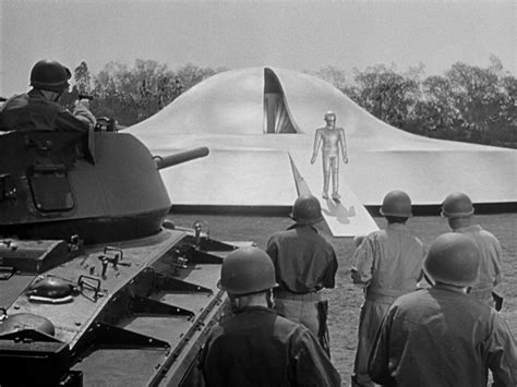 The Day the Earth Stood Still Review | Top 100 Sci Fi Movies