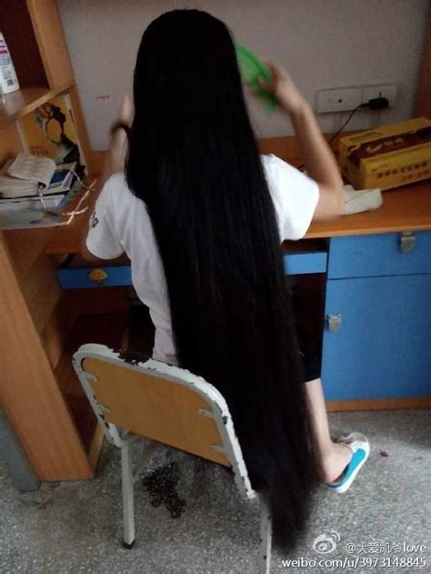 Some gorgeous long hair photos from Chinese twitter