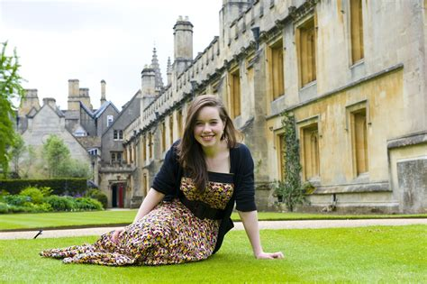 Free Celebrities: Anna Popplewell Hot Wallpapers,Pictures
