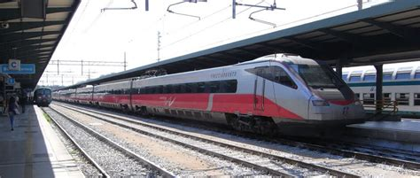 How to get from Rome to Naples? Train, bus, flights