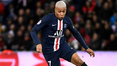 PSG to offer Mbappe €32m in yearly wages amid Madrid links