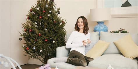 Pippa Middleton Poses for a Holiday-Themed Post-Baby Photo