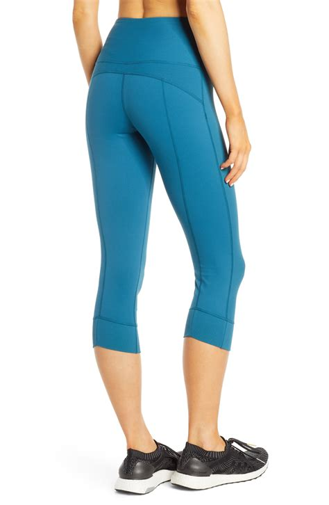 11 Best Butt Lifting Leggings To Buy Online And Fit Every