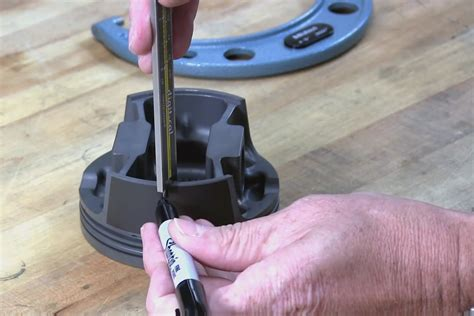 Video: Measuring Piston to Cylinder Bore Clearance With Mahle