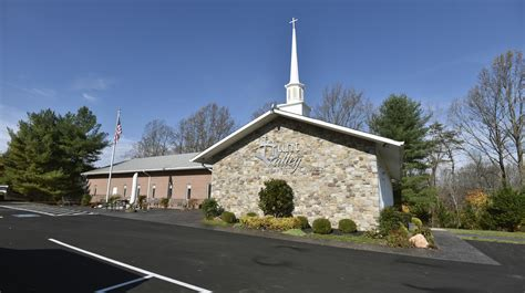 Congregation, community divided over church plans in Hunt